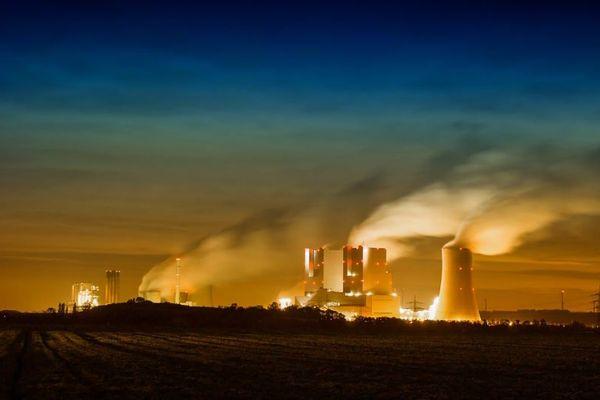 大気汚染レベルがわずかに高まるだけで、精神疾患が悪化するリスクも上昇