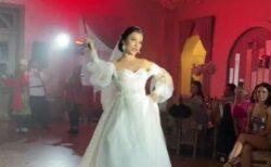 ロシアの花嫁、披露宴で剣を振り回すパフォーマンスにヒヤヒヤ
