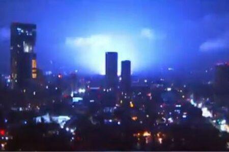 メキシコで地震光が出現か、空が青やピンクに輝く【複数動画】