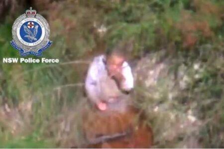 オーストラリアで3日間行方不明だった男の子、森で泥水をすすっている姿を発見