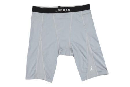 マイケル・ジョーダンの使用済み下着パンツがオークションに