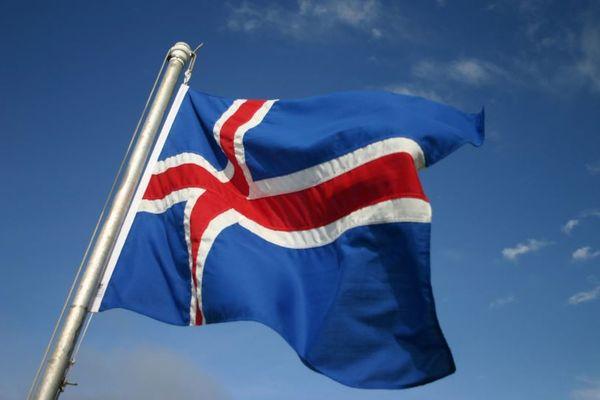 アイスランドの総選挙で女性議員が多く当選、議会の半数に迫る