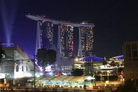 【シンガポール】ワクチン2回の接種率が80%、それでも増えるコロナ陽性者
