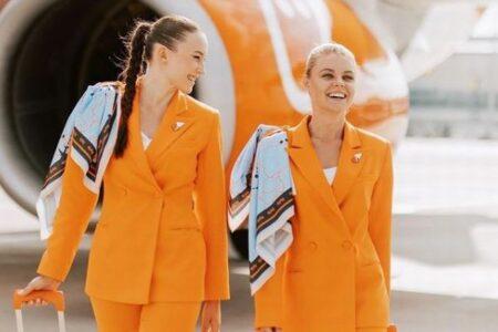 ウクライナの航空会社、CAの制服にズボンやスニーカーを採用