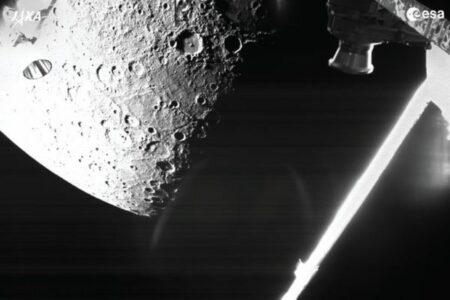 JAXAとESAの共同ミッションで、探査機が水星の画像撮影に成功!