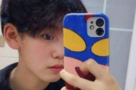 中国の少年アイドルグループに入るため、性を偽っていたと少女が告白