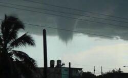 目撃者もびっくり!キューバの沿岸に巨大な水上竜巻が出現