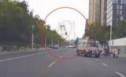 中国の福建省で巨大観覧車が崩壊、ぐにゃりと崩れる動画が恐ろしい